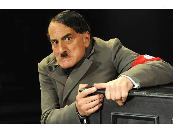 Review of The Resistible Rise of Arturo Ui, Duchess Theatre