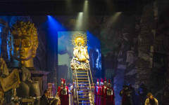 Review of Benvenuto Cellini, ENO