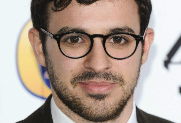 Simon Bird net worth