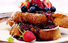 Guest recipe: Wolfgang Puck's French toast with fresh berry compote