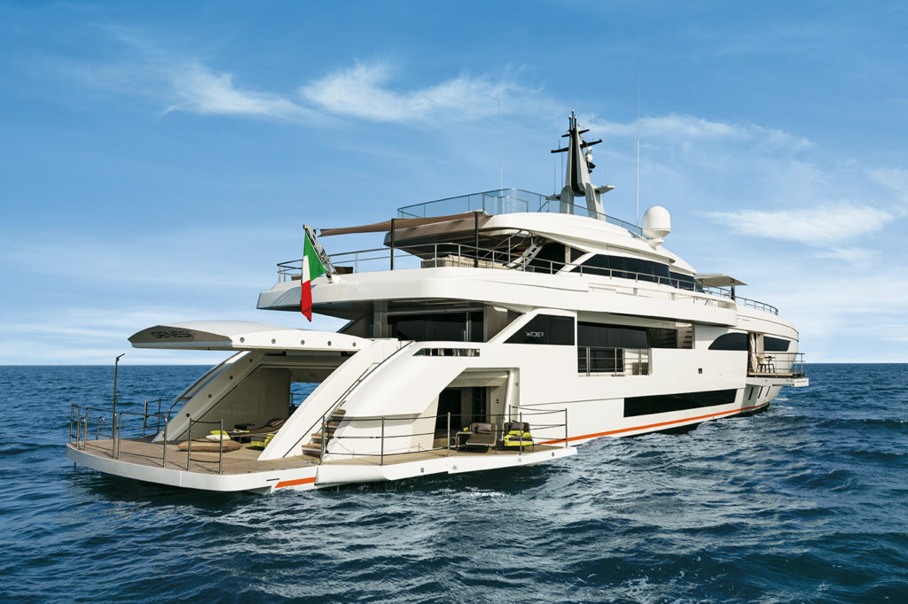 """On the French Riviera Engel & Völkers Yachting is brokering exclusive yachts, such as the 46-metre yacht """"M/Y Genesi"""". The price for this yacht is 26 million euros."""