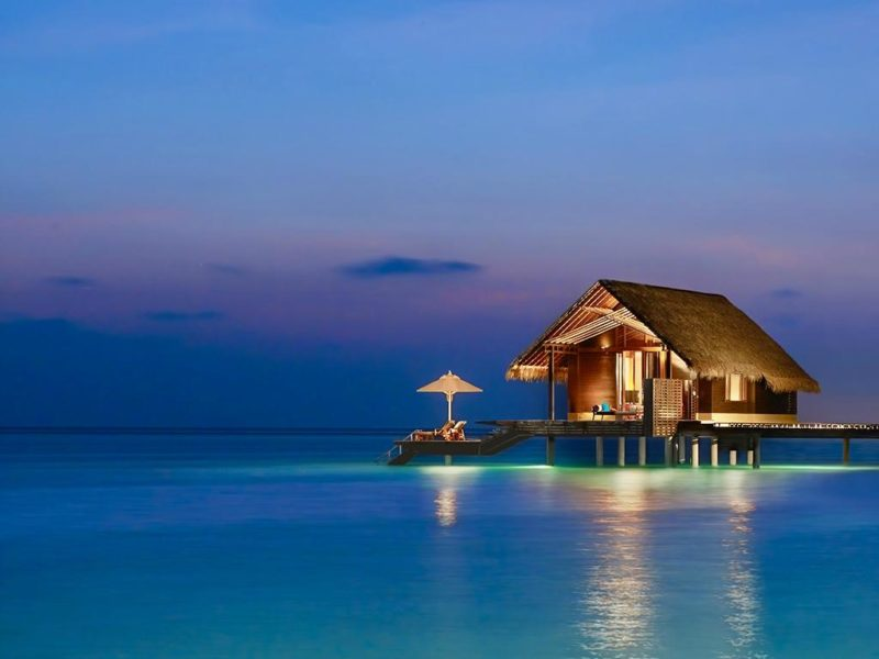 There's just nowhere like the Maldives — Elizabeth Hurley