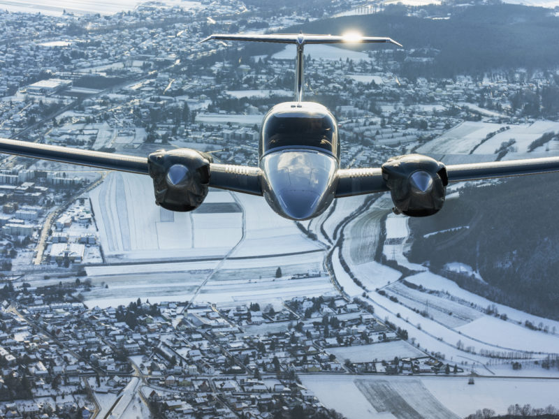 Twin troubles: navigating two engines in air