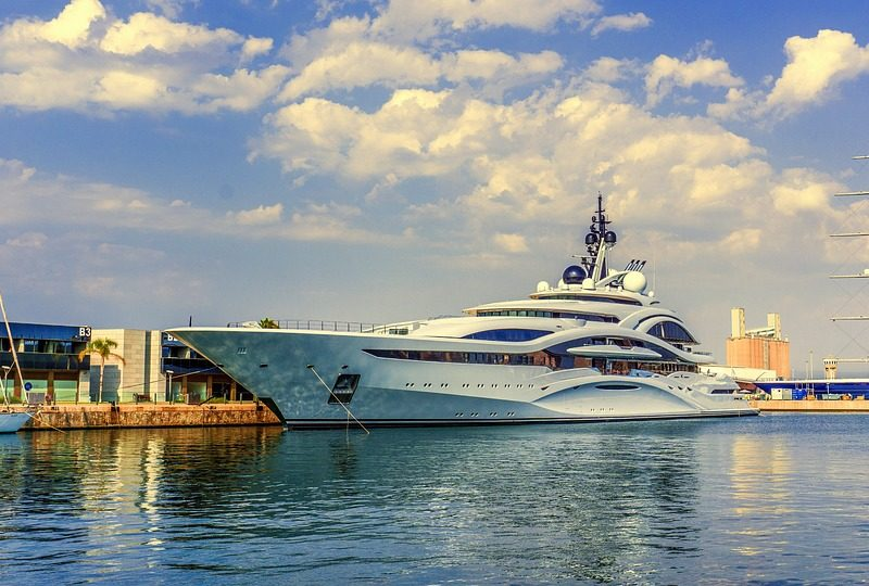 Superyacht charter gets faster