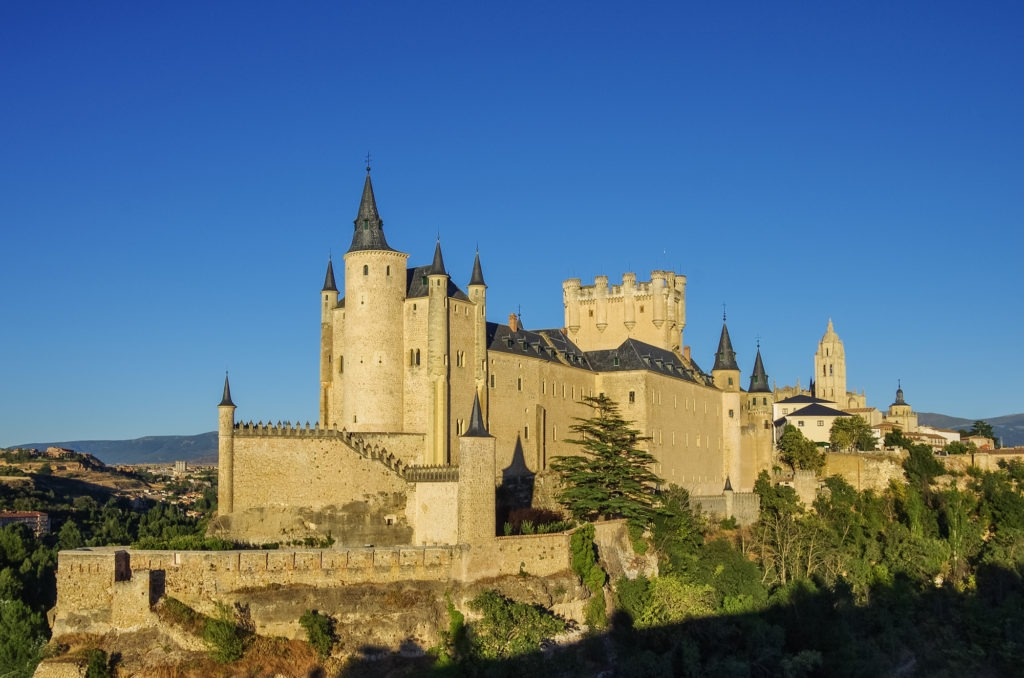 Alcázar_of_Segovia_Spain